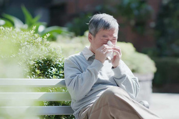 Why do I smell different odors when I sneeze? | CEENTA