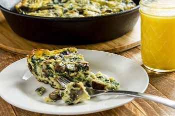 Spinach Frittata with orange juice