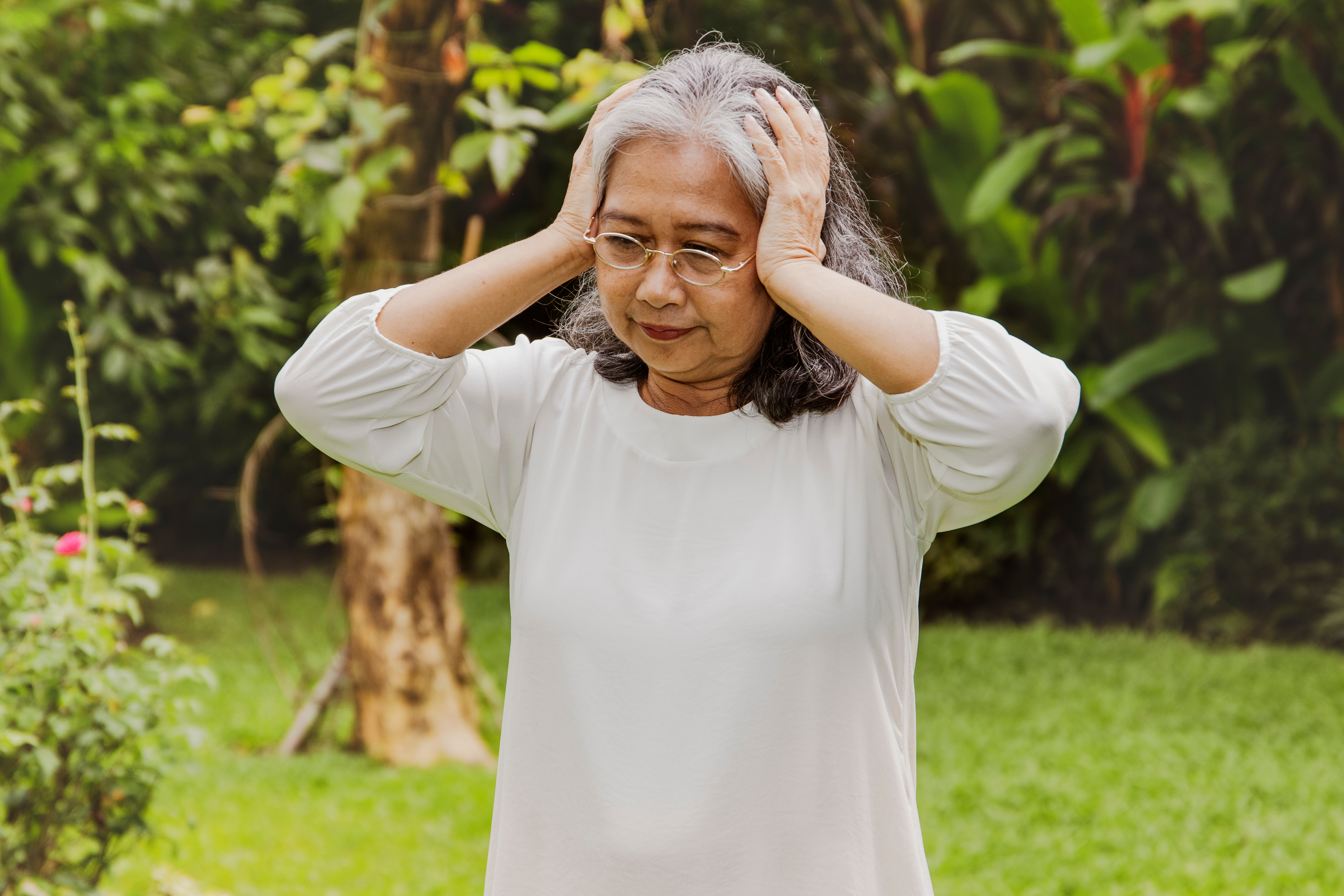 A woman with tinnitus